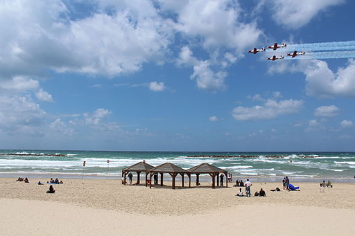Air Force Fly By on Tel Aviv Beach IMG 1623