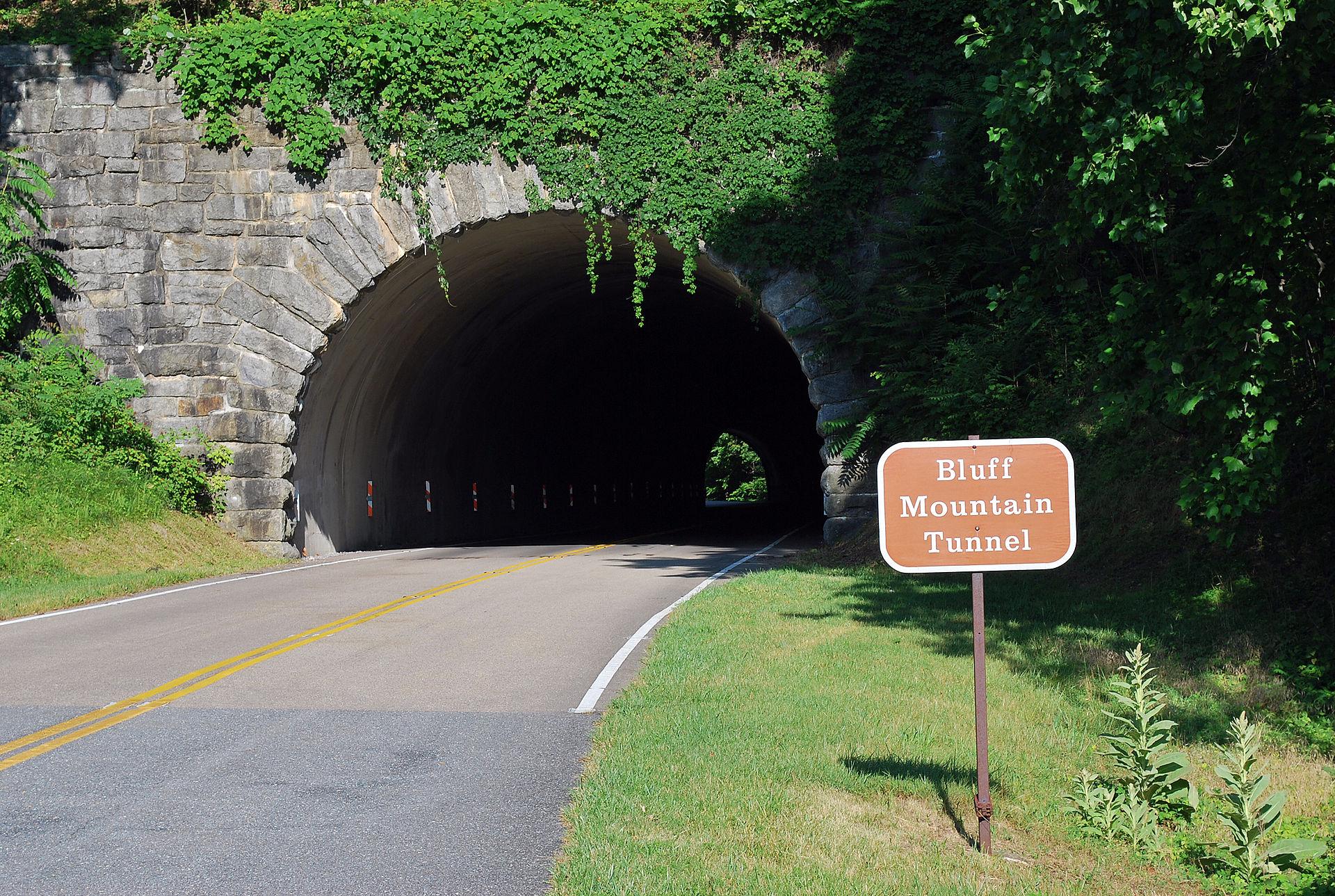Blue Ridge Parkway tunnels  Wikipedia