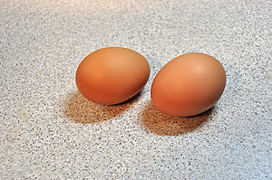 English: Brown chicken eggs
