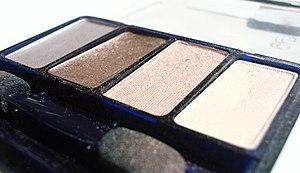 A palette of brown shades of powder eyeshadow....