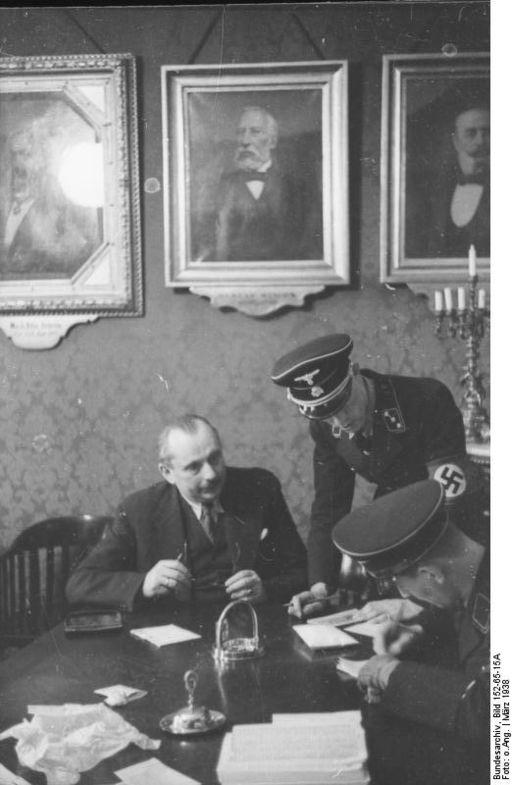 Bundesarchiv Bild 152-65-15A, Wien, SS-Razzia bei jüdischer Gemeinde