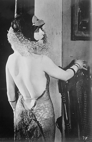 Clara Bow in a backless dress, mid 1920s.