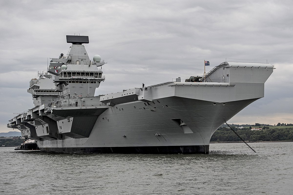 HMS Queen Elizabeth (R08) - Wikipedia