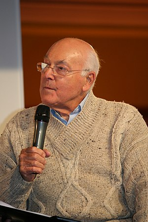 English: Murray Walker at Autosport Internatio...