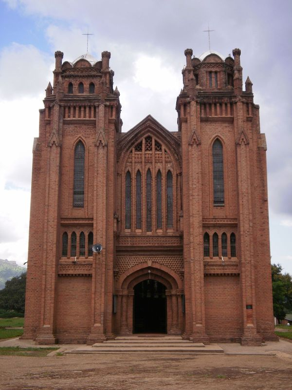 St Michael And Angels Church Blantyre - Wikipedia