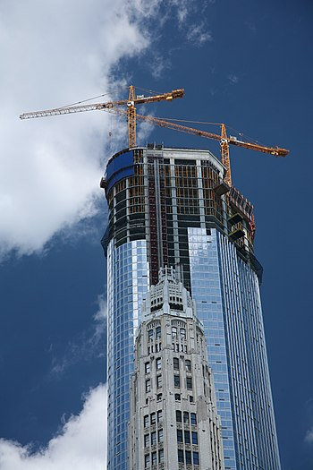 Trump Tower in Chicago, under construction