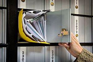 English: Letters in a post office box in a US ...