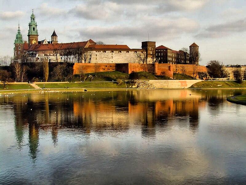 File:Wawel z mostu Debnickiego (2007).jpg