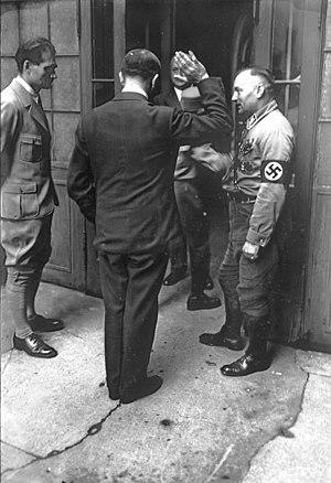 Bundesarchiv Bild 102-13748, Adolf Hitler
