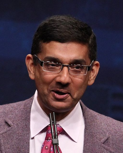 Dinesh DSouza speaking at CPAC 2012 cropped