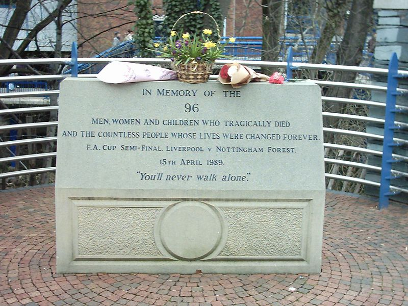 Berkas:Hillsborough Memorial.jpg