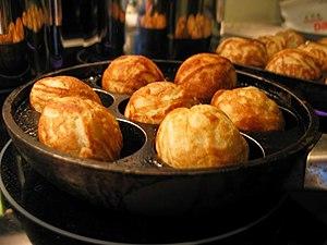 Æbleskiver, Small Danish dessert dumplings coo...