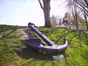 Anchor exhibited in Cosne-Cours-sur-Loire. Anc...