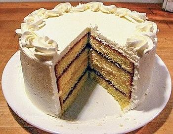 English: A layered pound cake, with alternatin...