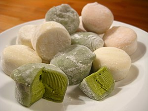 Mochi ice cream in green tea, vanilla, and str...