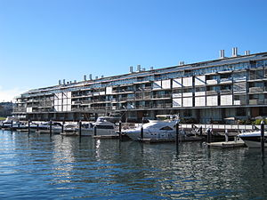 English: Walsh Bay wharf apartments