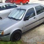File 99 01 Ford Fiesta Sedan Front Jpg Wikimedia Commons