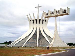 Nhà thờ lớn Brasília, tác phẩm của Oscar Niemeyer