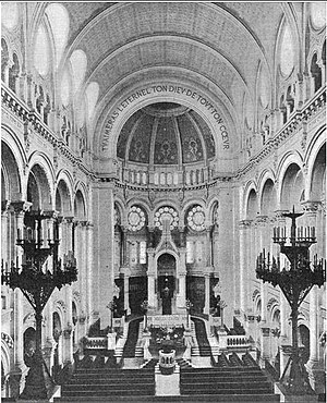 Inside the Great Synagogue of Paris (Rue de la...