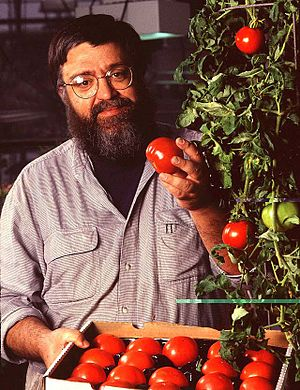 USDA plant physiologist with examples of bioen...