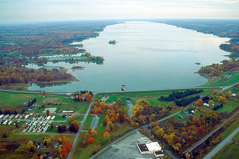 File:Mosquito Creek Reservoir Ohio northward.jpg