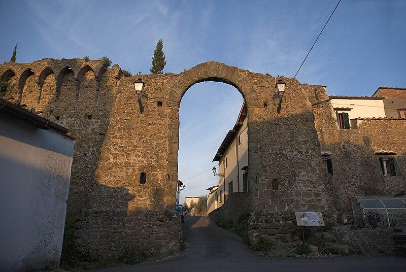 """Foto """"Porta Pisana - Malmantile (Lastra a Signa) - Firenze"""" by Vignaccia76 - wikipedia"""