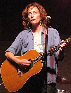 English: Sarah Harmer in concert on the main s...