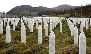 English: Gravestones at the Potočari genocide ...