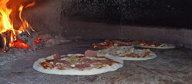 pizze nel forno