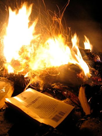 File:Book burning (4).jpg