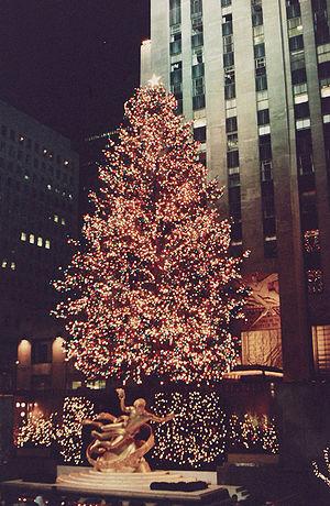 English: Rockefeller Center Christmas Tree, Ne...