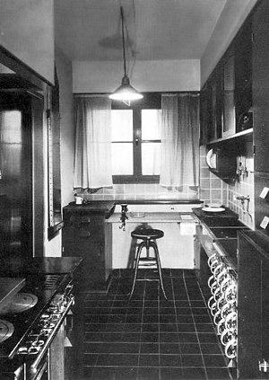The Frankfurt kitchen using Taylorist principles