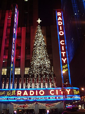 Radio City Music Hall in Christmas decoration ...