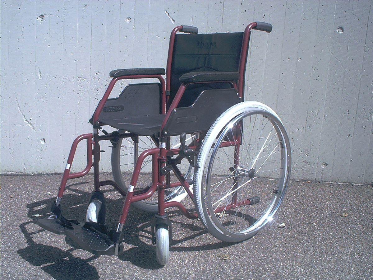 fauteuil roulant  Wiktionnaire
