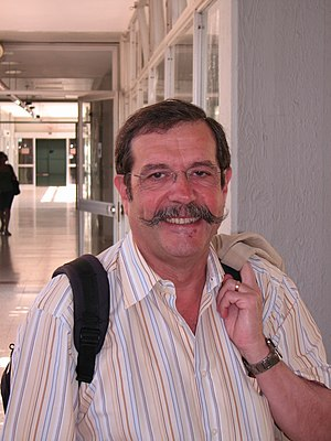 Alain Aspect on a visit to Tel Aviv University...