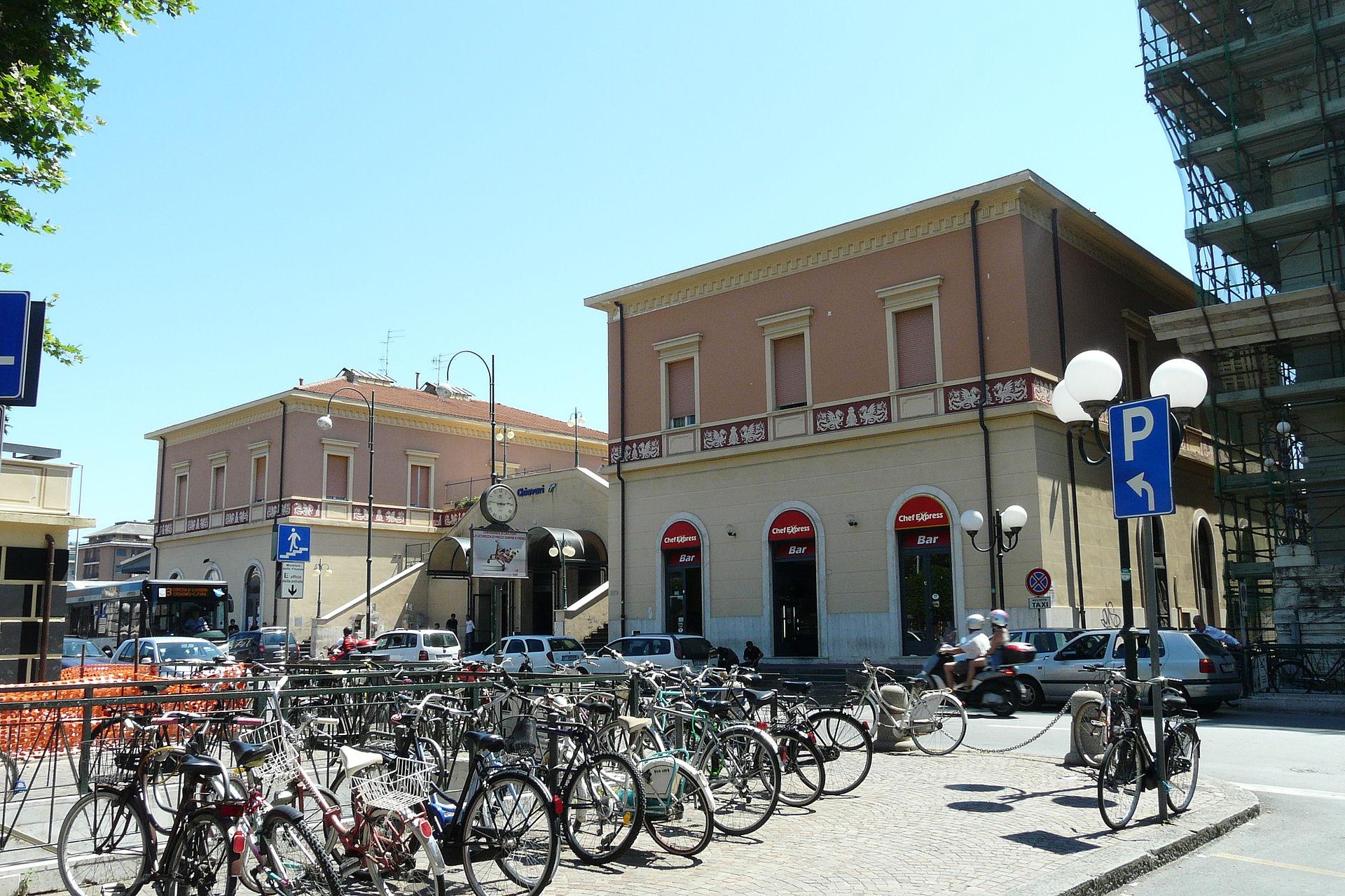 Stazione di Chiavari  Wikipedia