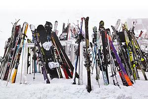 English: Snowboard and Ski stand at the Turoa ...