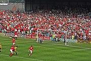 Bir futbol maçında penaltı vuruşu