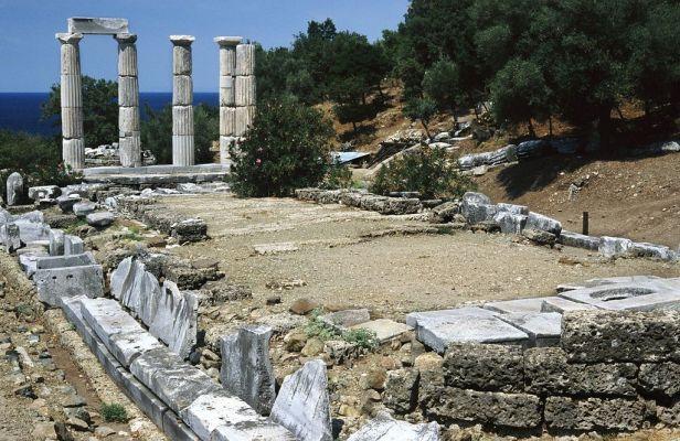 20020800 Sanctuary of the Great Gods Palaiopolis Samothrace island Thrace Greece