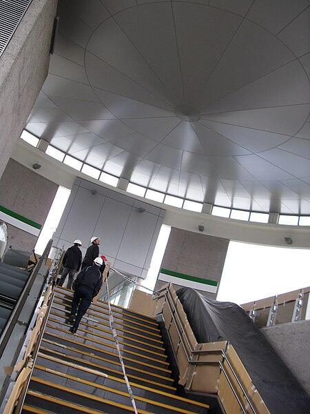 Archivo: Metro de Santiago - Monte Tabor 20.JPG