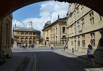 English: Oxford -Sheldonian Theatre from Bridg...