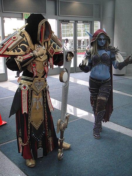File:WonderCon 2012 - World of Warcraft warriors (6873354236).jpg