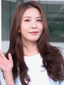 BoA at Incheon Airport on May 15, 2019 (2).png