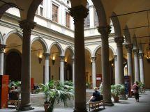 File Palazzo Strozzi Cortile - Wikipedia