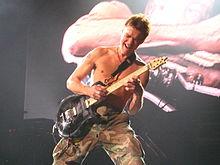 Eddie Van Halen 2007-11-10.jpg