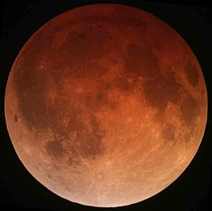 https://i0.wp.com/upload.wikimedia.org/wikipedia/commons/thumb/0/0f/Lunar_eclipse_April_15_2014_California_Alfredo_Garcia_Jr1.jpg/300px-Lunar_eclipse_April_15_2014_California_Alfredo_Garcia_Jr1.jpg