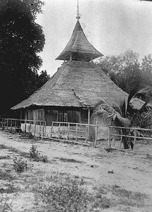 Bahasa Indonesia: Foto. ekspedisi militer ke I...
