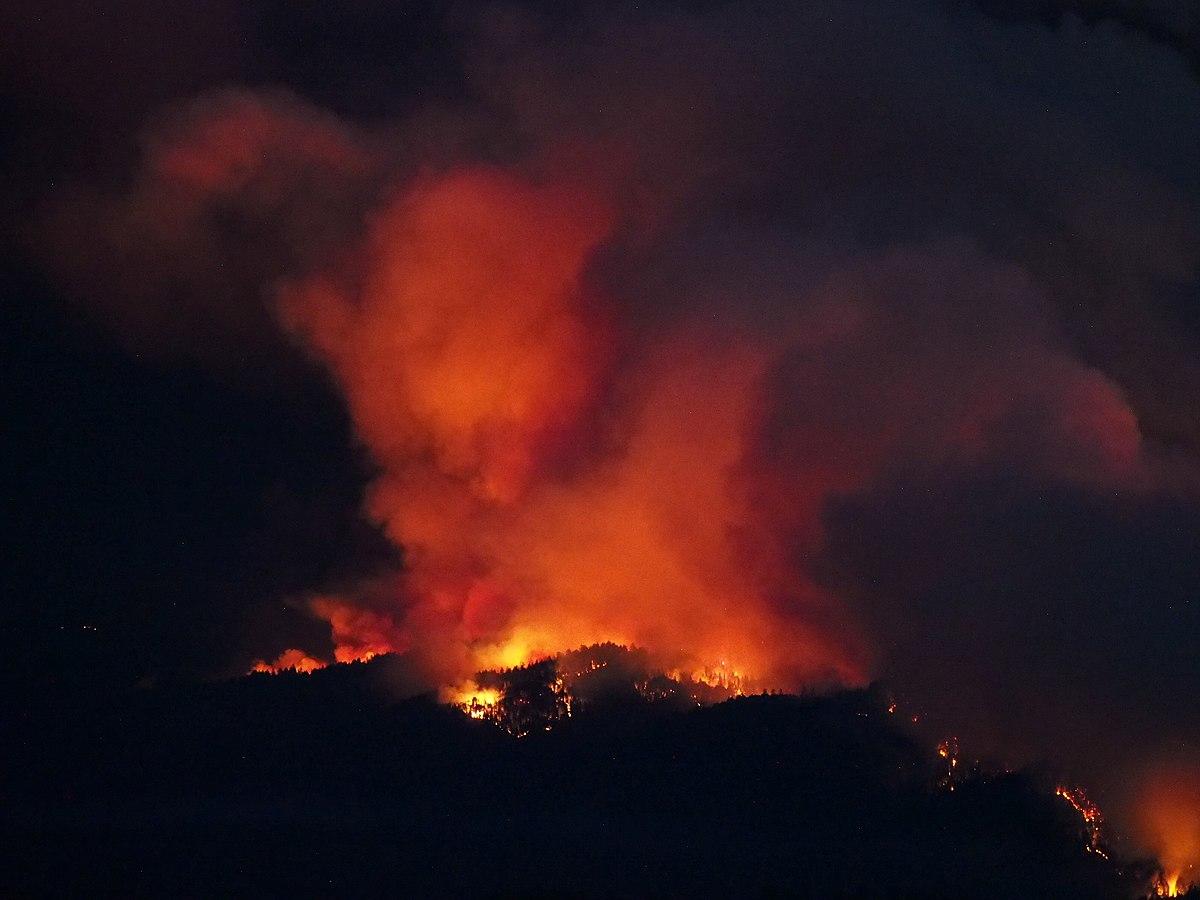 特朗普和拜登爭論美國西部山火的起因 - 維基新聞。自由的新聞源