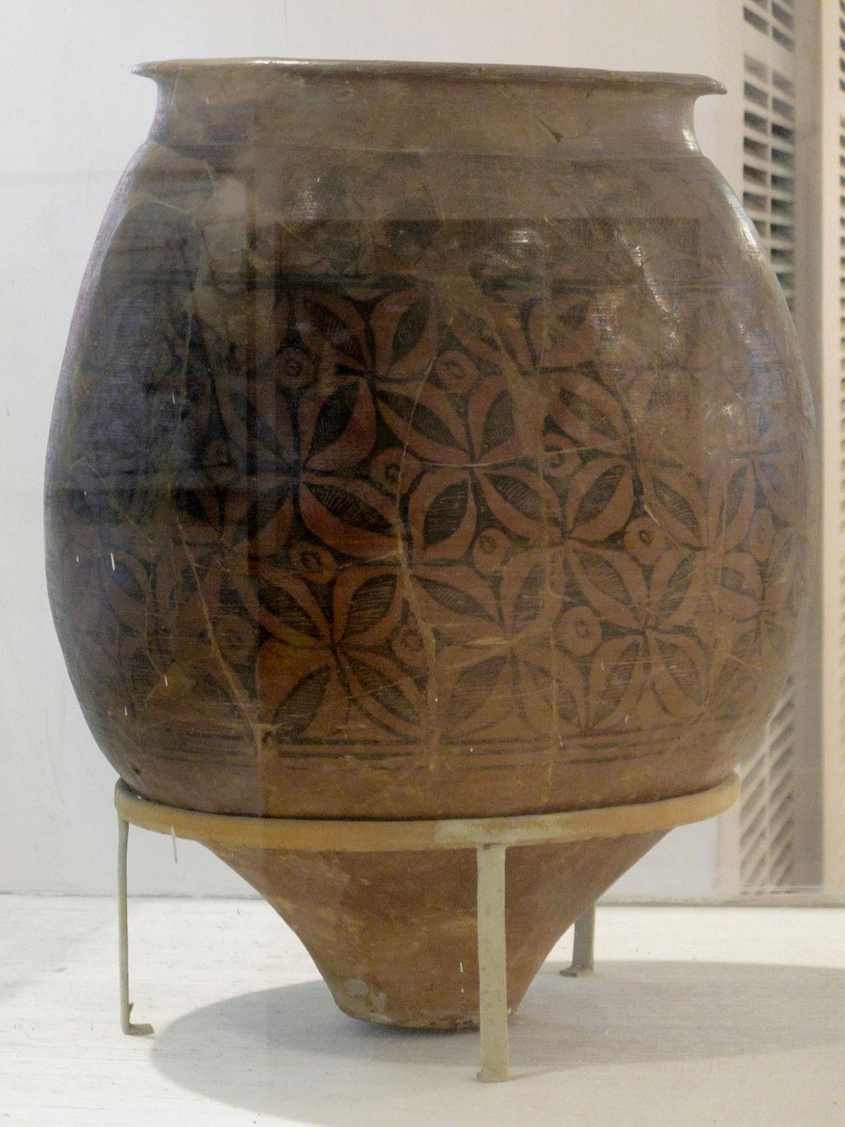 Painting Terracotta Pots Outside