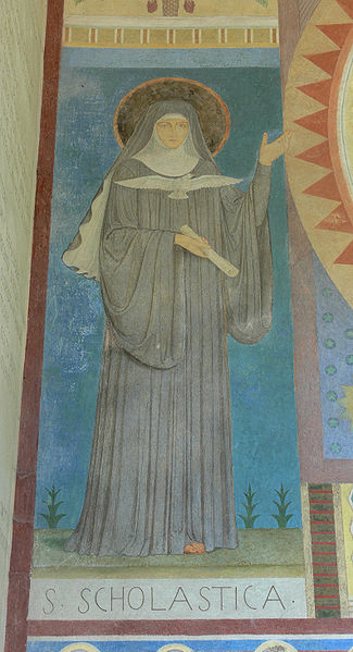 File:Beuron Mauruskapelle Fassadengemälde Scholastica.jpg